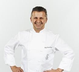 Jeunes-Restaurateurs-Rolf-Straubinger-Profilbild-Burghotel-Staufeneck
