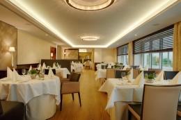 Jeunes-Restaurateurs-Rolf-Straubinger-Interieur-Burghotel-Staufeneck