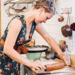 Therea backt: Apfelkucken mit Karamellsauce
