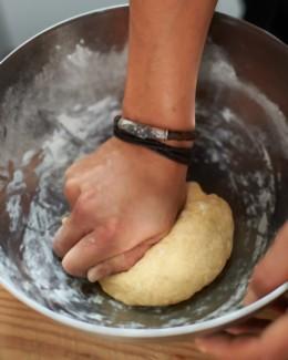 Maultaschen selber machen Teig kneten