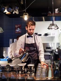 Norwegen-Lofoten-kulinarische-Reise-Baristameister-Arne-Riso-NilsenCafe-Riso