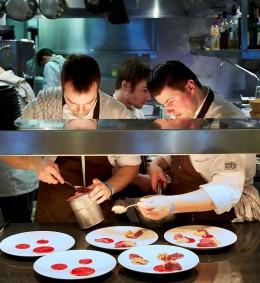 Brügge, Kok au Vin, Jürgen Aerts in seiner Küche, Artikel