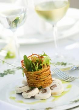 Vorspeise, Teller, gedeckter Tisch, raffiniert