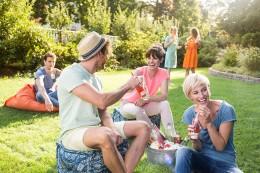 Gewinnspiel, Rotkäppchen, Fruchtsecco, Sommer, Garten, Party