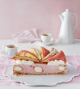 Backschule, Profiteroles-Erdbeer-Torte, Blätterteig, Backen, wie macht man, Torte, Windbeutel, Torte im Anschnitt