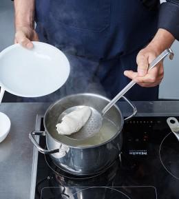 wie macht man, anleitung, schritt für schritt, kochschule, sülze, geflügelsülze, fleisch pochieren
