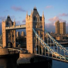 Die Towerbridge, eines der Wahrzeichen von London.