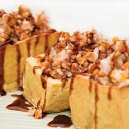 Gefüllter Tofu ist ein bekanntes Gericht der Anhui-Küche
