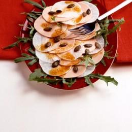 Rettich-Wurst-Salat mit Kürbiskernen