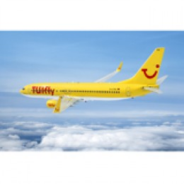 Die gelben Flugzeuge von TUIfly steuern Ziele in aller Welt an