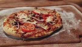 BBQ-Pizza vom Grill