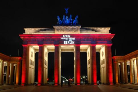 Alljährlich werden berliner wahrzeichen beim festival of lights mit