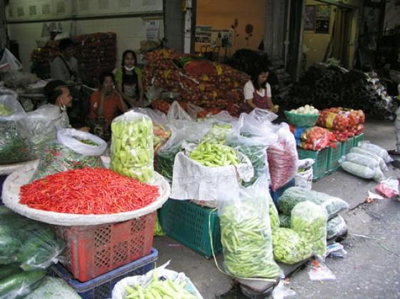 """Der Blumen- und Gemüsemarkt """"Pak Klong Talad"""""""