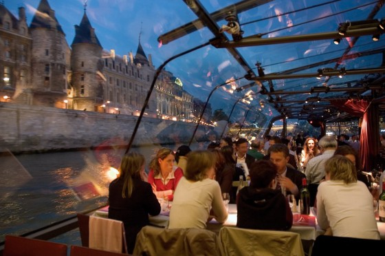 Boot auf der Seine