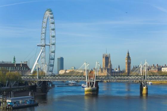 Der Blick auf Londn Eye und die Themse ist wunderschön.