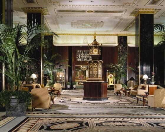 Lobby im Waldorf Astoria