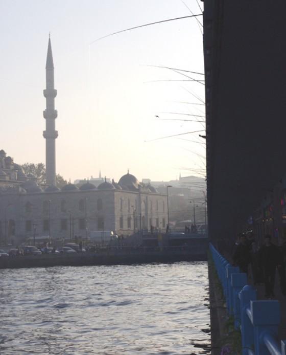 Angelruten von der Galata-Brücke