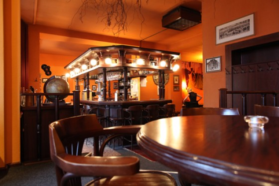 restaurant bobotie au ergew hnliche l nderrestaurants 1 essen trinken. Black Bedroom Furniture Sets. Home Design Ideas