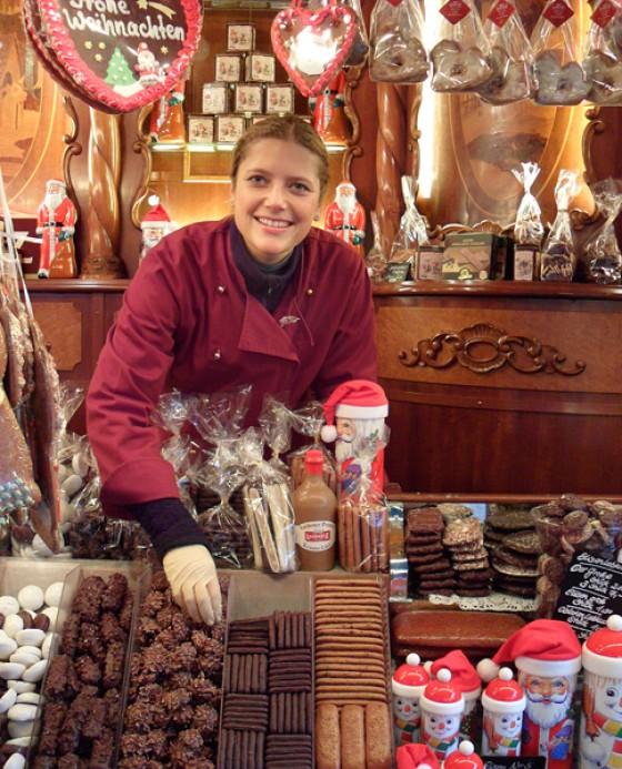 Weihnachtsmarkt Hamburg Rathausmarkt Keks- und Lebkuchenstand