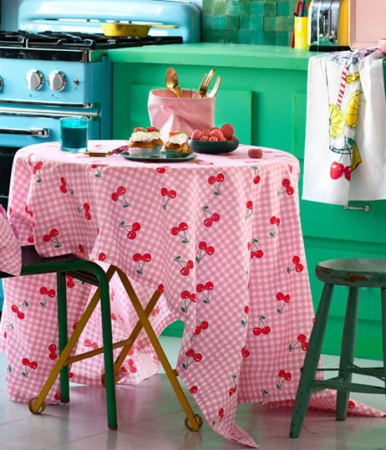Tischdecke von H&M mit Kirschen