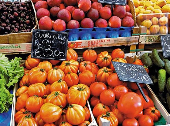 Obst- und Gemüsesatnd in Italien