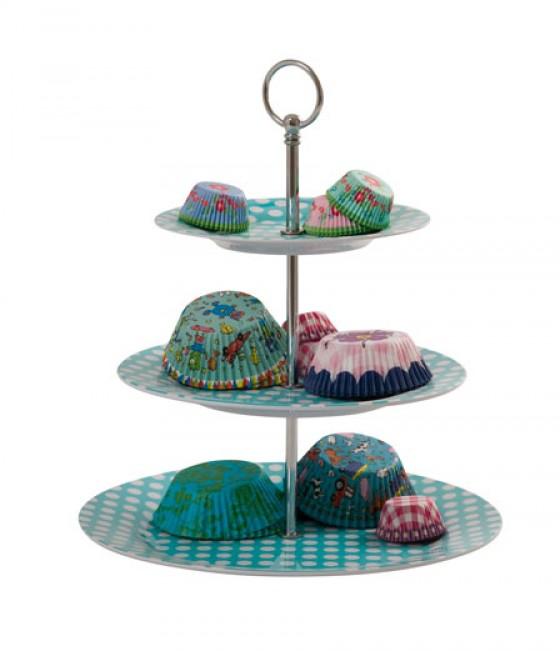 Die 3 stöckige Melamin Etagere von Rice punktet mit einem fröhlichen Polka Dot Print in Türkis-Weiß. Hier lassen sich Süßigkeiten wie Pralinen, Plätzchen, Cupecakes oder Kuchen präsentieren. Preis ca.