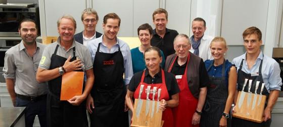 Teilnehmer und Jury des Kochwettbewerbs