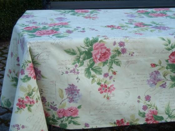 Tischdecke mit Rosenmotiv für den Valentinstag