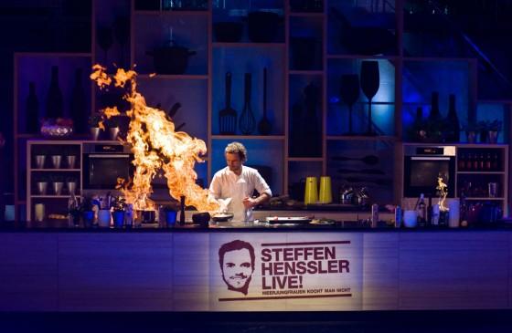 """""""Meerjungfrauen kocht man nicht"""": Steffen Henssler in Action"""