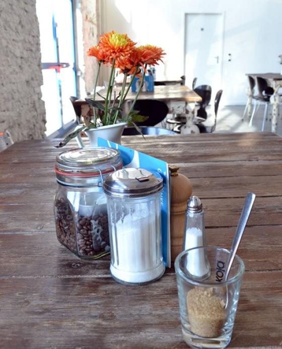 Café Schmidt Tisch