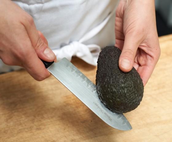 wann ist eine avocado reif wie macht man eigentlich. Black Bedroom Furniture Sets. Home Design Ideas