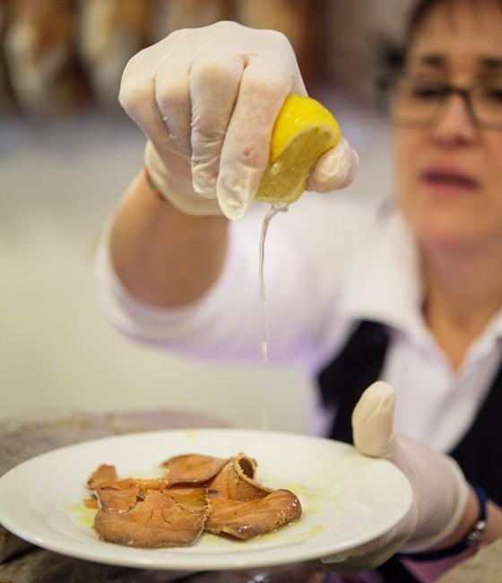 Palermo: gepresster Thunfischrogen Bottarga