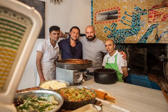 Istanbul Marcel und Koral im Restaurant DATLI MAYA