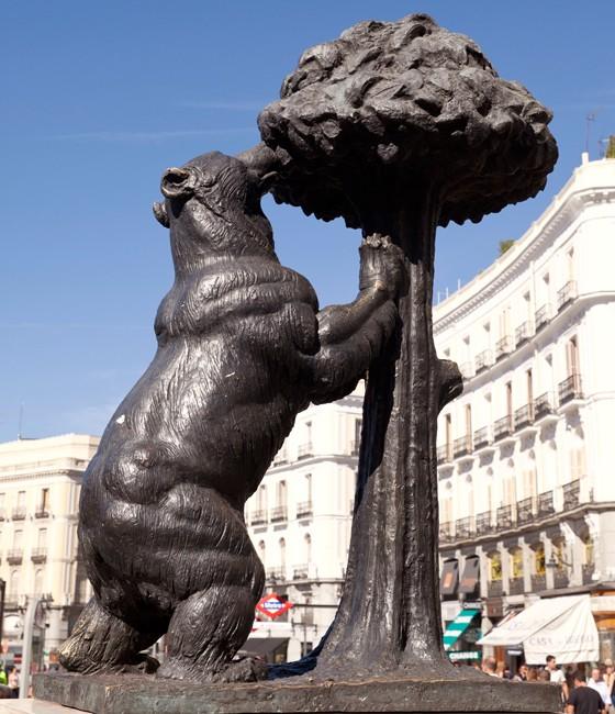 Madrids Wahrzeichen Bär am Erdbeerbaum