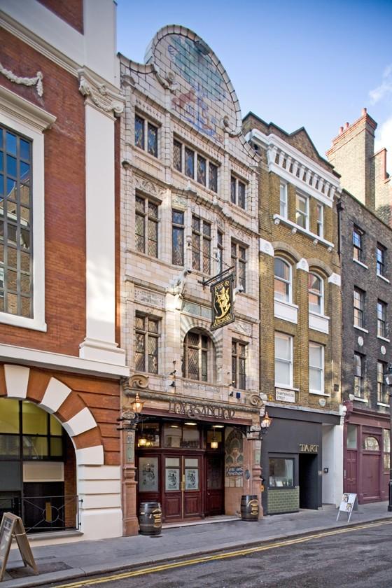London Pub Fox und Anchor Außenansicht