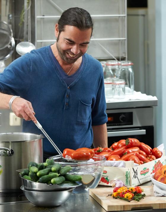 Küchenchef-Achim-Ellmer-Tomaten-Einmachen