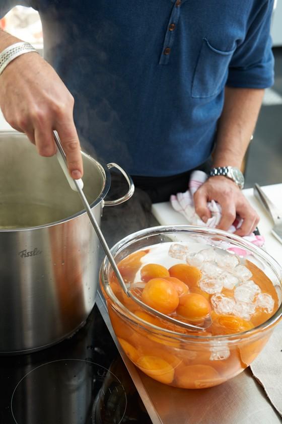 Aprikosen-abschrecken-Aprikosen-Einmachen