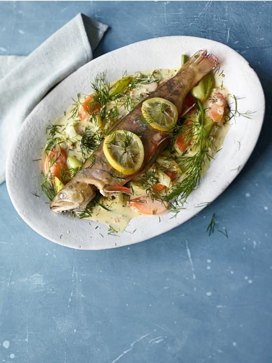Saibling-mit-Gemüse-und-Dillsauce-Dampfgaren