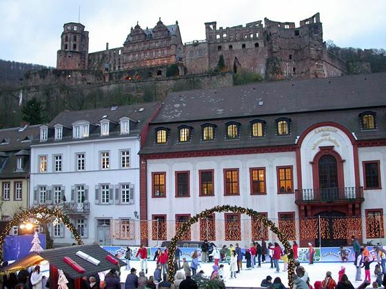Weihnachtsmarkt Heidelberg Eisbahn