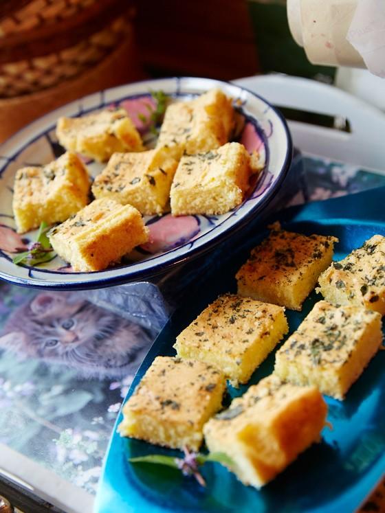 Norwegen-Lofoten-kulinarische-Reise-Blechkuchen-mit-Vanillekraut