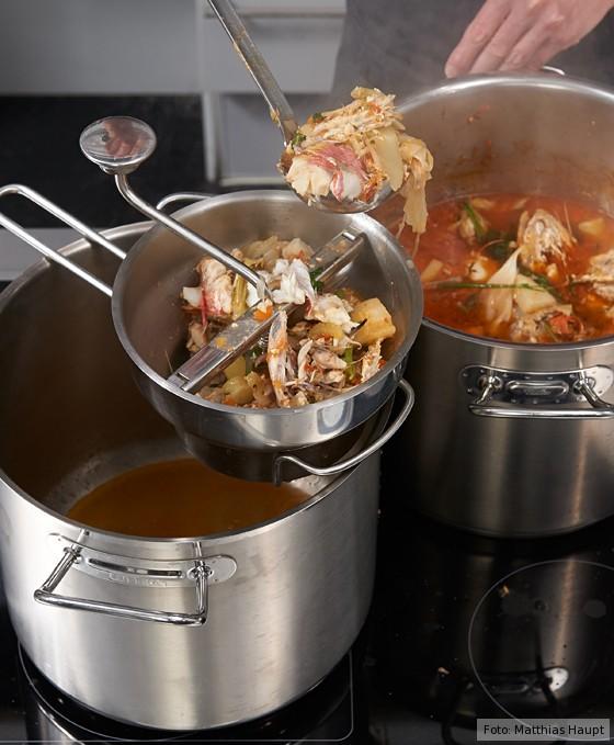 Suppe durch die Flotte Lotte passieren, Bouillabaisse