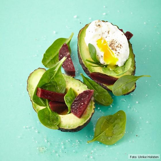 Avocado mit Ei und Rote Bete