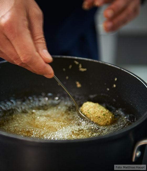 Falafel, Wie macht man, Kichererbsen, Falafelbällchen fritieren