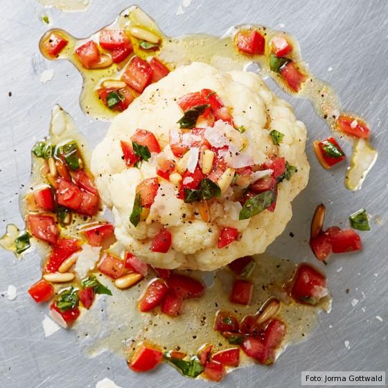 Blumenkohl mit Tomaten-Salsa
