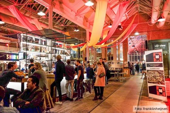 In den Foodhallen treffen lokale Produzenten auf Street Food-Händler.
